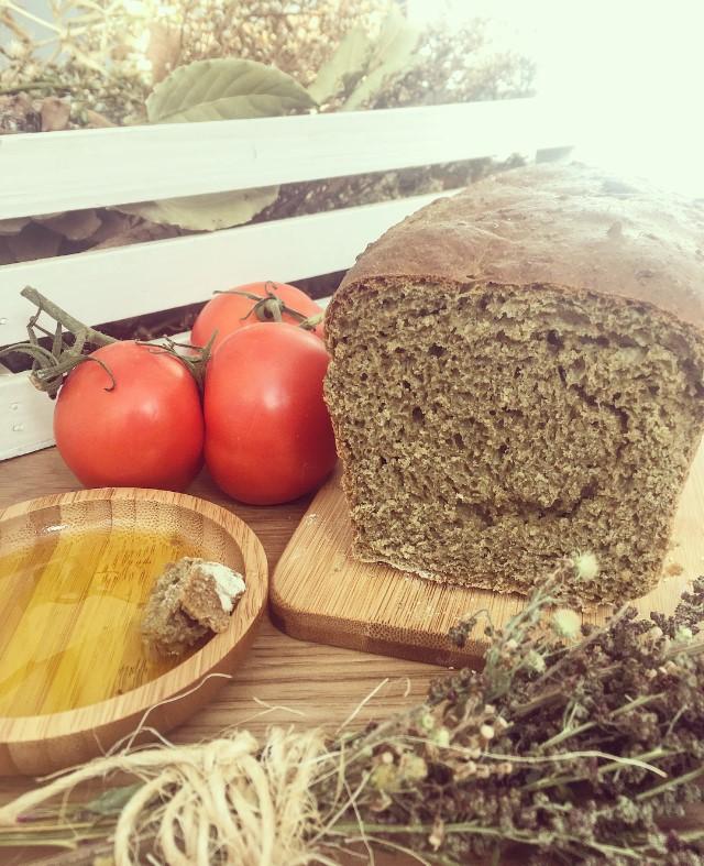 Pan de molde de harina de trigo negrillo